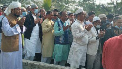 Photo of শফিউল বারী বাবুর কবর জিয়ারতে স্বেচ্ছাসেবক দলের কেন্দ্রীয় নেতৃবৃন্দ