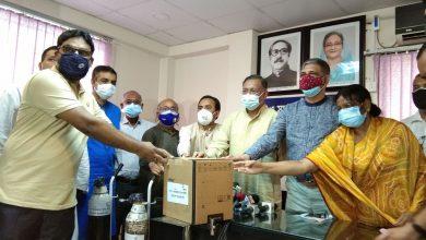 রোগীদের সেবা দিচ্ছে বিএনপির করোনা হেল্প সেল