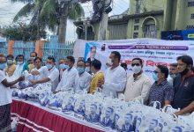 খুলনায় ২০০ পরিবারকে বিএনপি নেতা বকুলের ঈদ উপহার